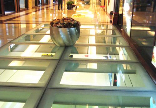 哈尔滨市月星家居防火玻璃地台